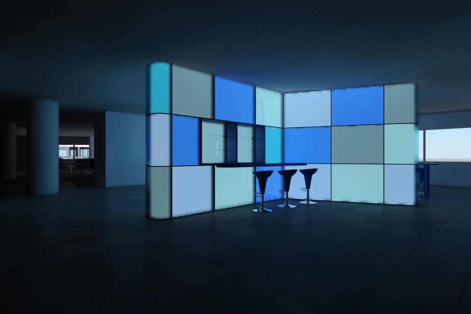 De media kiosk is vormgegeven als een oplichtend armatuur.